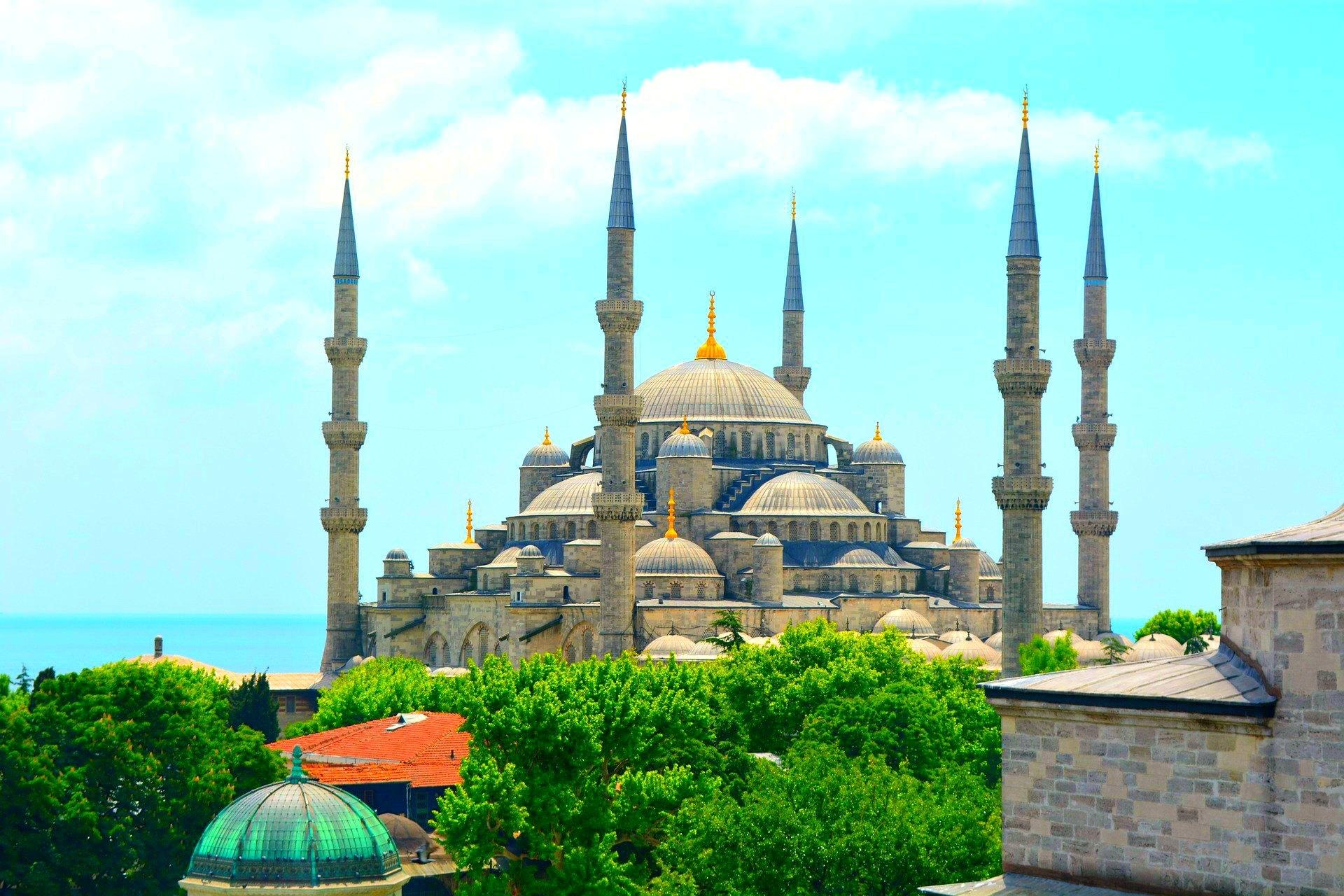 Mezquita-Azul-viaje-sorpresa-wishandfly
