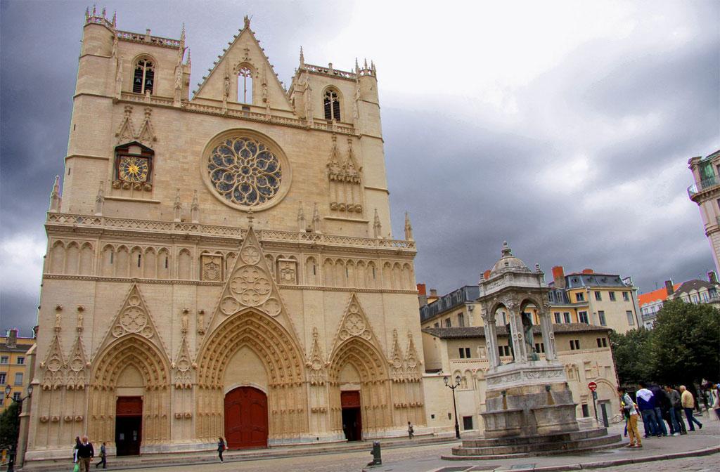 Catedral Lyon Wish&Fly Viaje Sin Destino